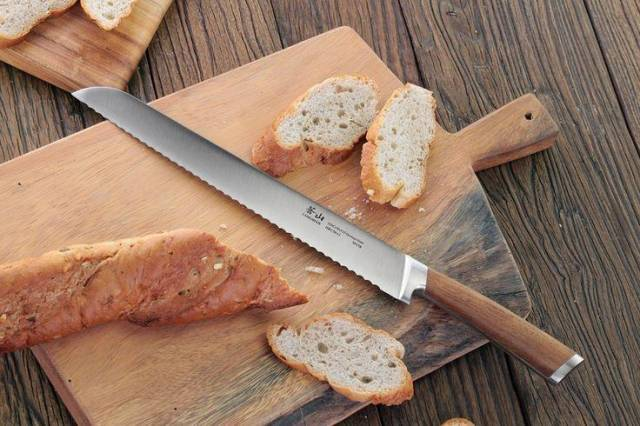 Cangshan H1 Series 59175 Steel Forged Bread Knife Review