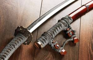 How much does Katana weigh and How sharp is it