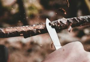 how to sharpen a wood carving knife